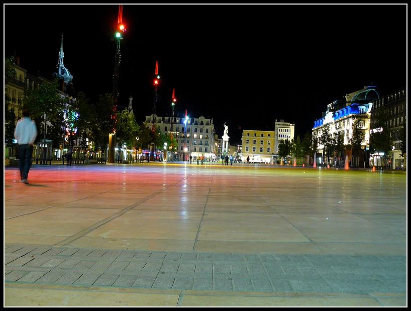http://lyrks.free.fr/FZ8/Clermont/Night/14.JPG