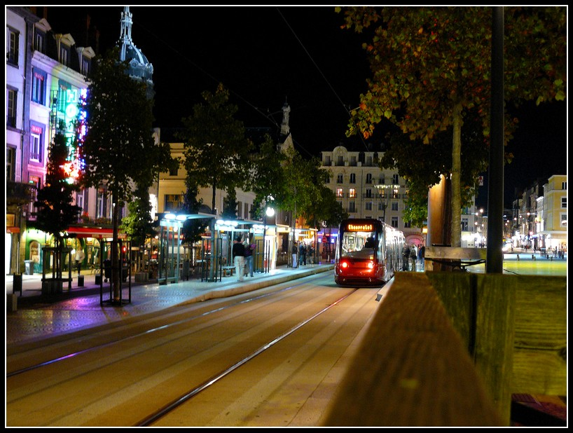 http://lyrks.free.fr/FZ8/Clermont/Night/17.JPG