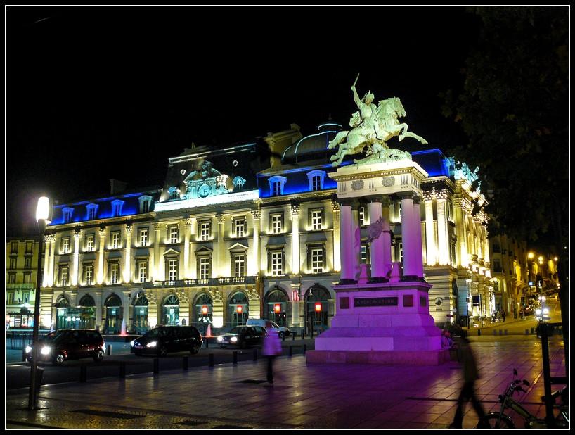 http://lyrks.free.fr/FZ8/Clermont/Night/19.jpg