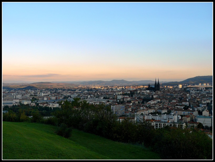 http://lyrks.free.fr/FZ8/Clermont/Night/5.jpg